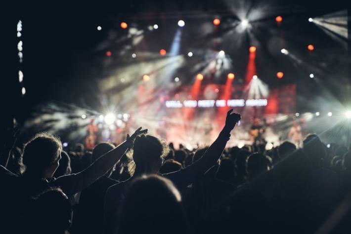 アイドルに楽曲を提供する3つの方法