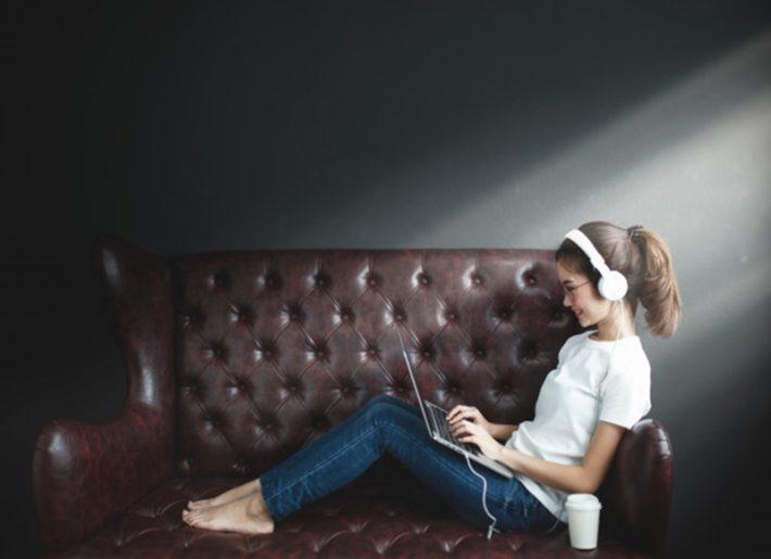 コピーしたい曲を聴く