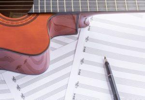 推測した音を書き留めるための道具