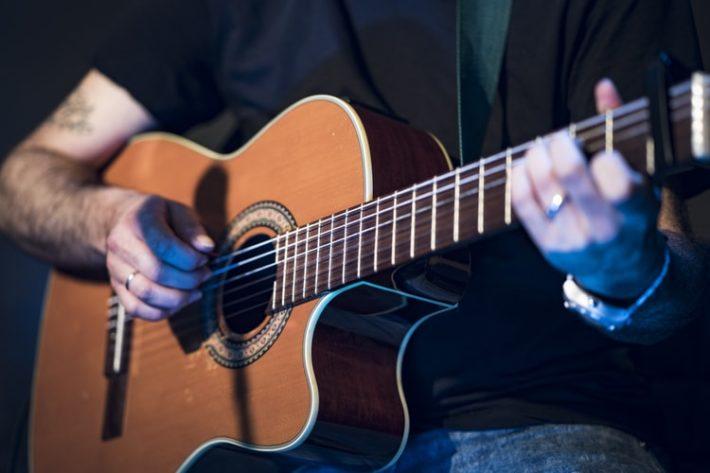 ギターで耳コピをするやり方3ステップ!