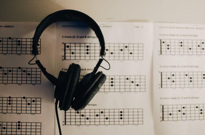 コードを特定して音源と比べる