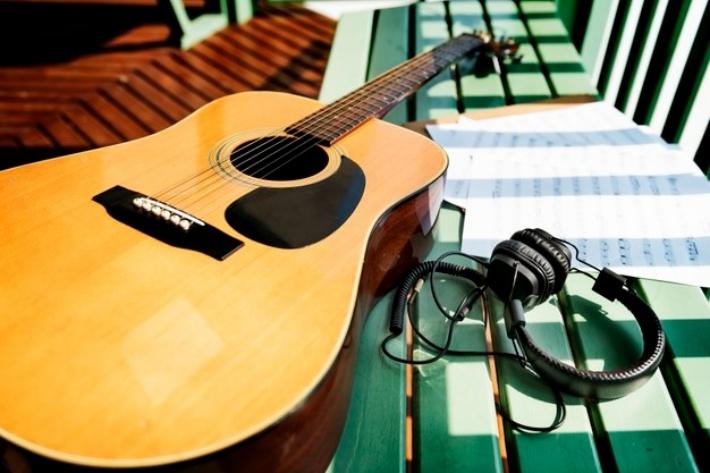 ギタースタンドの3つの種類